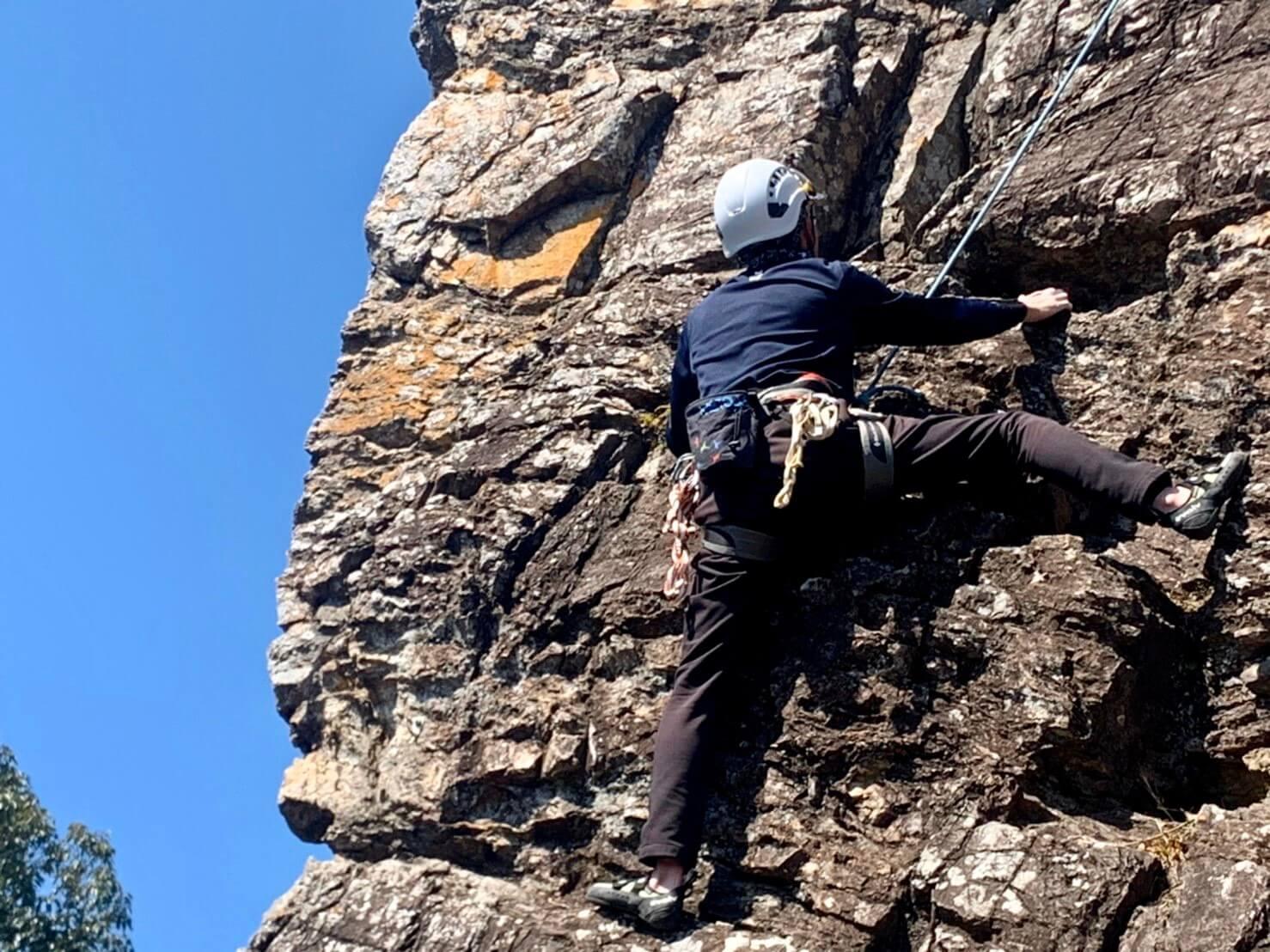 初めてのクライミングとは思えない程、上手に登る郡